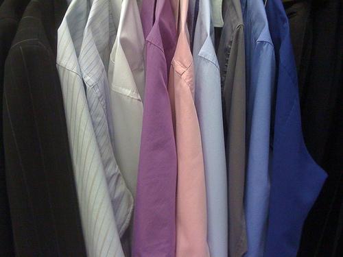 5 raisons d'amener sa chemise au pressing